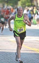Lee finishing the Crim 10 miler in Flint 2010